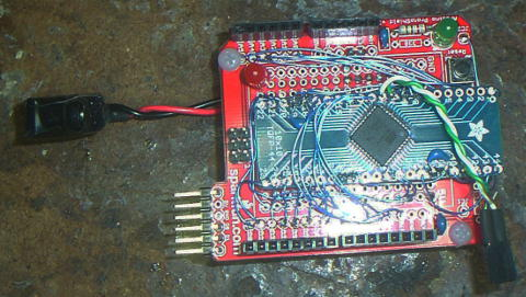 another view of a hacked-up prototype of an arduino using an xmega64d4